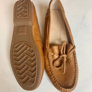 NEW Frye leather loafers SZ 6